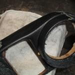 Mercedes-Armaturenträger vor-dem-Entfernen-von-Kleberresten
