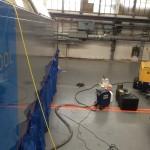 Unterbodenreinigung einer E-Lok der Baureihe BR 185