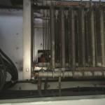 Elektronische-Bauteile in der Lok vor der Trockeneisreinigung