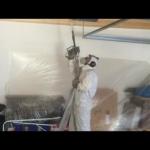 Schimmelbeseitigung Garage während der Reinigung